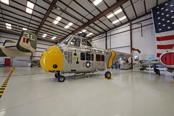 Sikorsky UH-19 Chickasaw — photo by Joe May
