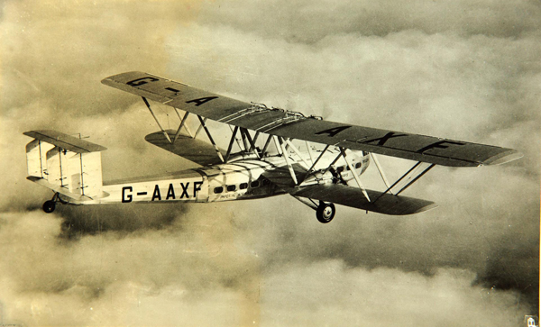 Hengist in flight — photo from San Diego Air & Space Museum archive