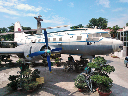 "Ilyushin Il 14 (NATO reporting name ""Crate"") in the courtyard of the Vietnam Military History Museum in Hanoi — Catherine Dowman photograph ©2013"