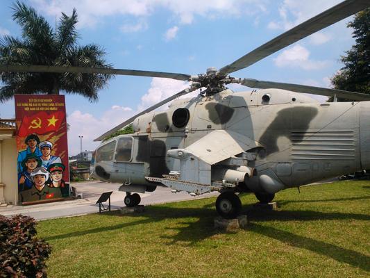 """Mil Mi 24 (NATO reporting name """"Hind"""")"""