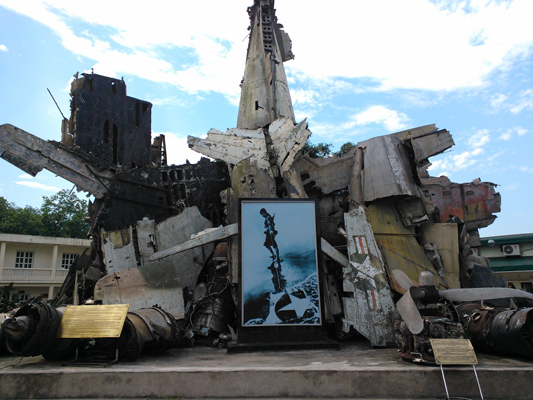 Aircraft Wreckage Sculpture at the Vietnam Military History Museum — photo by Catherine Dowman ©2013