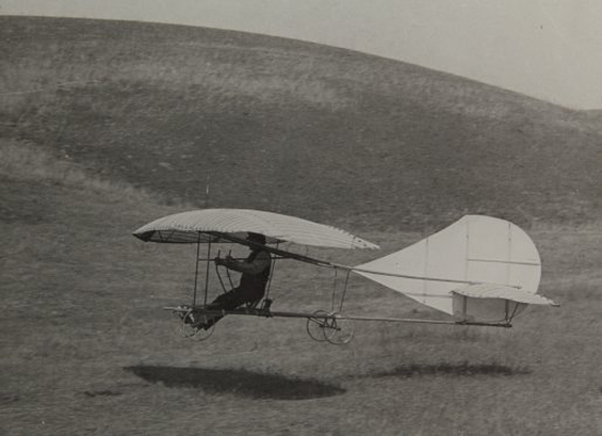John J. Montgomery aloft in the Evergreen Glider — photo from the San Diego Air & Space Museum archive