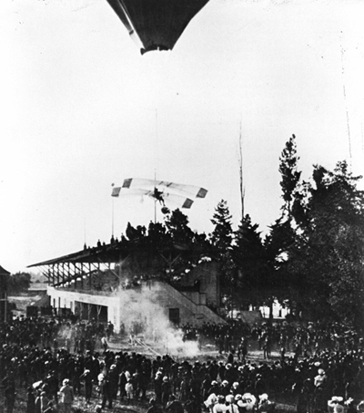 John J. Montgomery at a demonstration in Santa Clara CA— photo from the San Diego Air & Space Museum archive