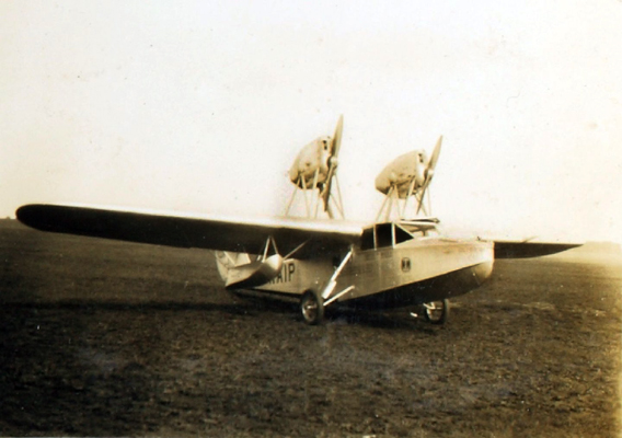 Saro A.19 Cloud — San Diego Air & Space Museum archive photo from the Edwin Newman Collection