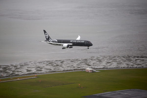 Boeing 787-9 landing at Auckland  — photo courtesy of Air New Zealand