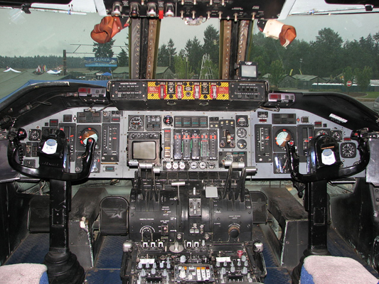 Cockpit of this Lockheed C-141B Starlifter — Miroslav Bundy photo (used with permission)