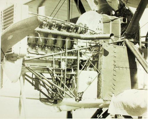 Douglas World Cruiser 1924 Liberty 12 Engine — San Diego Air & Space Museum Archive photo