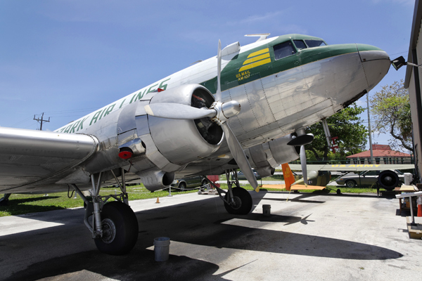 Ozark Air Lines airliner DC-3/C-53 — photo by Joseph May