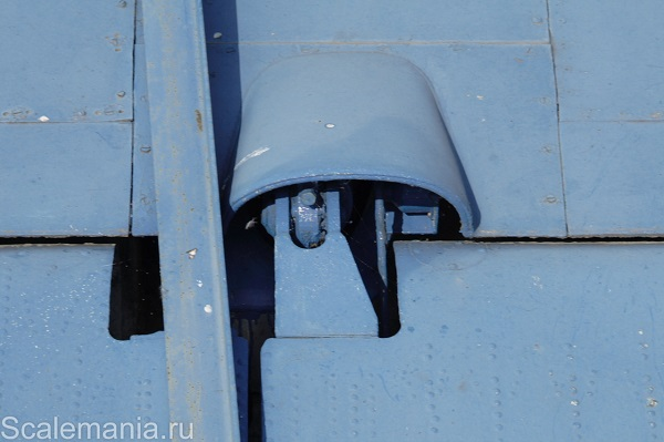 Central Hydrofoil Design Bureau A-90 Orlyonok (Eaglet) wing flap hinge — copyright and photo by Макс Климов (Max Klimov)
