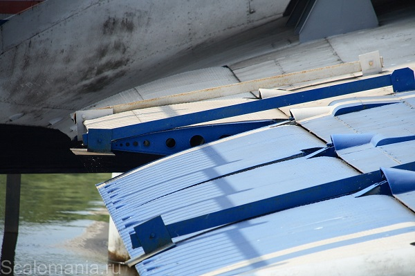 Central Hydrofoil Design Bureau A-90 Orlyonok (Eaglet) inboard starboard wing flap detail — copyright and photo by Макс Климов (Max Klimov)