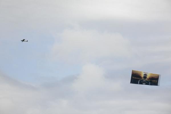 blog-avion-advert_mg_0783
