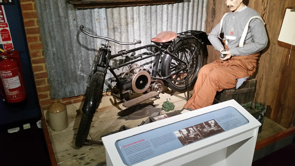 blog-early-motorcycle-rlc-museum-20170213_121909