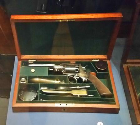 blog-cap-and-ball-pistol-kit-national-war-museum-of-scotland-20170209_122813