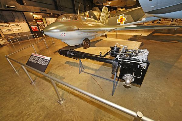 Messerschmitt Me 163 Komet - Wikipedia