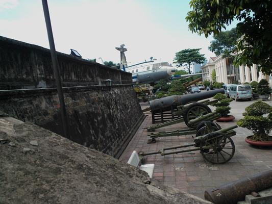 The Citadel of Thang Long (Hoàng thành Thăng Long) — Catherine Dowman photograph ©2013