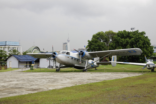Short Bros. Twin Pioneer which was the first aircraft type acquired by the RMAF — photo by Joseph May